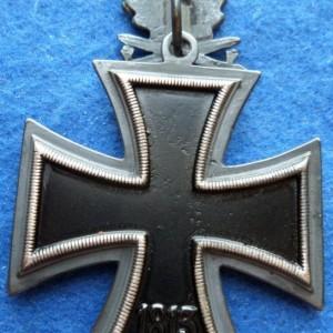 rytsarskij krest s dubovymi listyami, mechami kopiya_23
