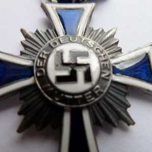 german award HONORARY CROSS OF THE MOTHER'S 3